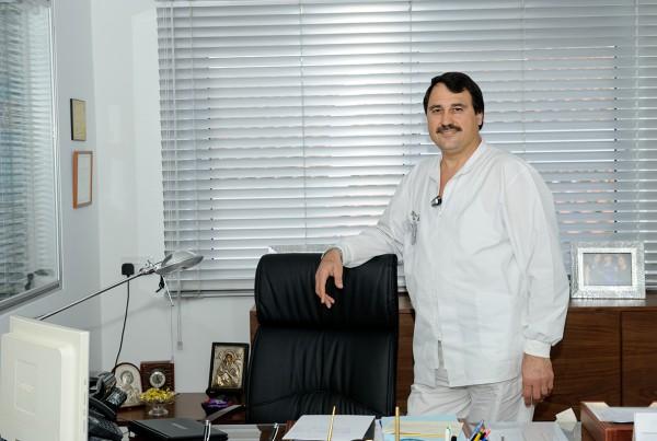 Δρ. Ζήνων Χατζηκωνσταντής